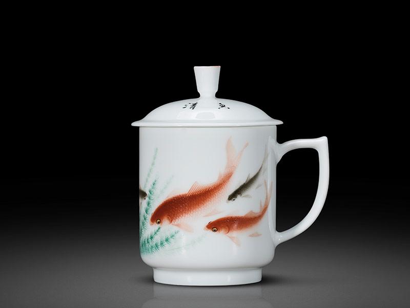 名人手繪魚戲圖辦公室茶杯